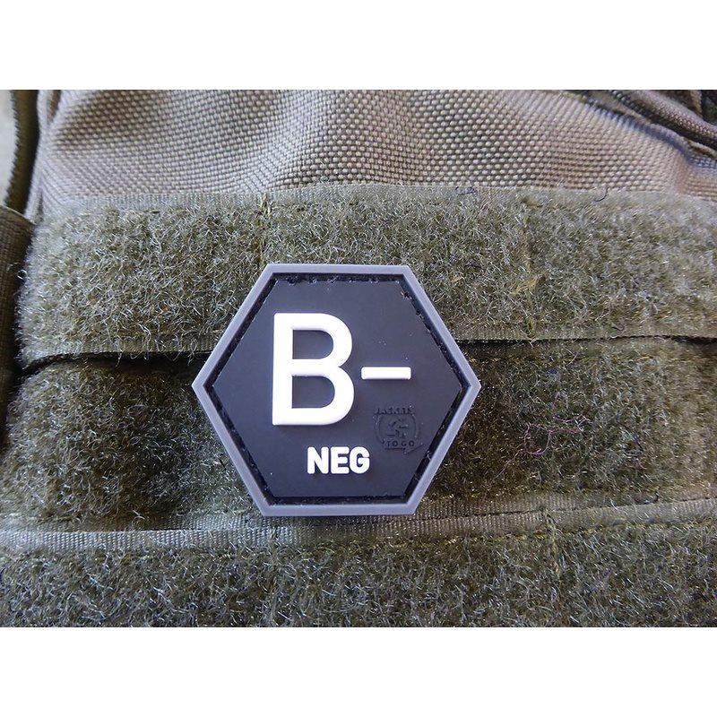 Nášivka hexagon krev B NEG plast ÈERNÁ SWAT